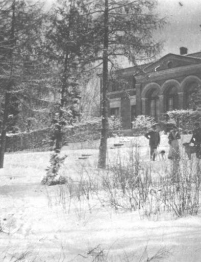 Lissow 1912, Vorgarten im Winter